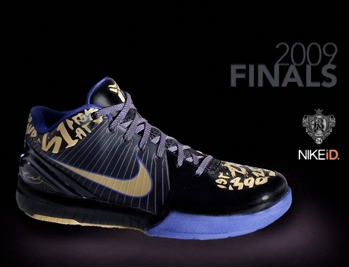 premium selection 767c8 5f616 Kobe Bryant Nike Zoom Kobe IV (4), 61 Points Edition Nike iD (