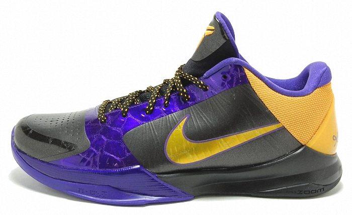 size 40 27fc5 b6773 Kobe Bryant Shoes Pictures: Nike Zoom Kobe V (5) Lakers Away ...